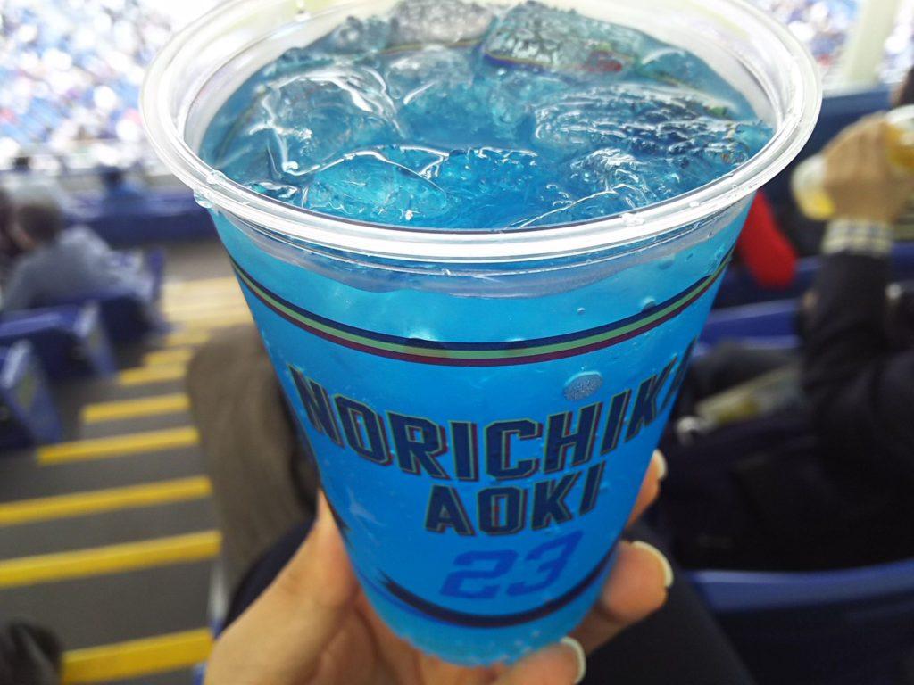 神宮球場の選手オリジナルドリンクメニュー「青木のブルーサワー」