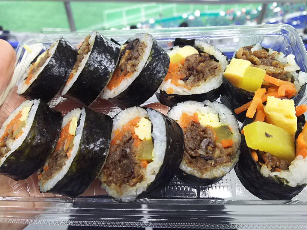 東京ドームの韓美膳(ハンビジェ)のプルコギキンパ(850円)