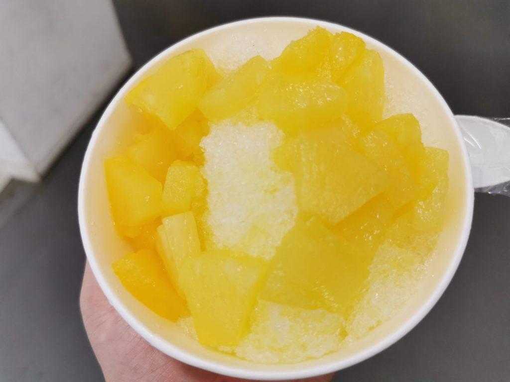 神宮球場のパイン氷
