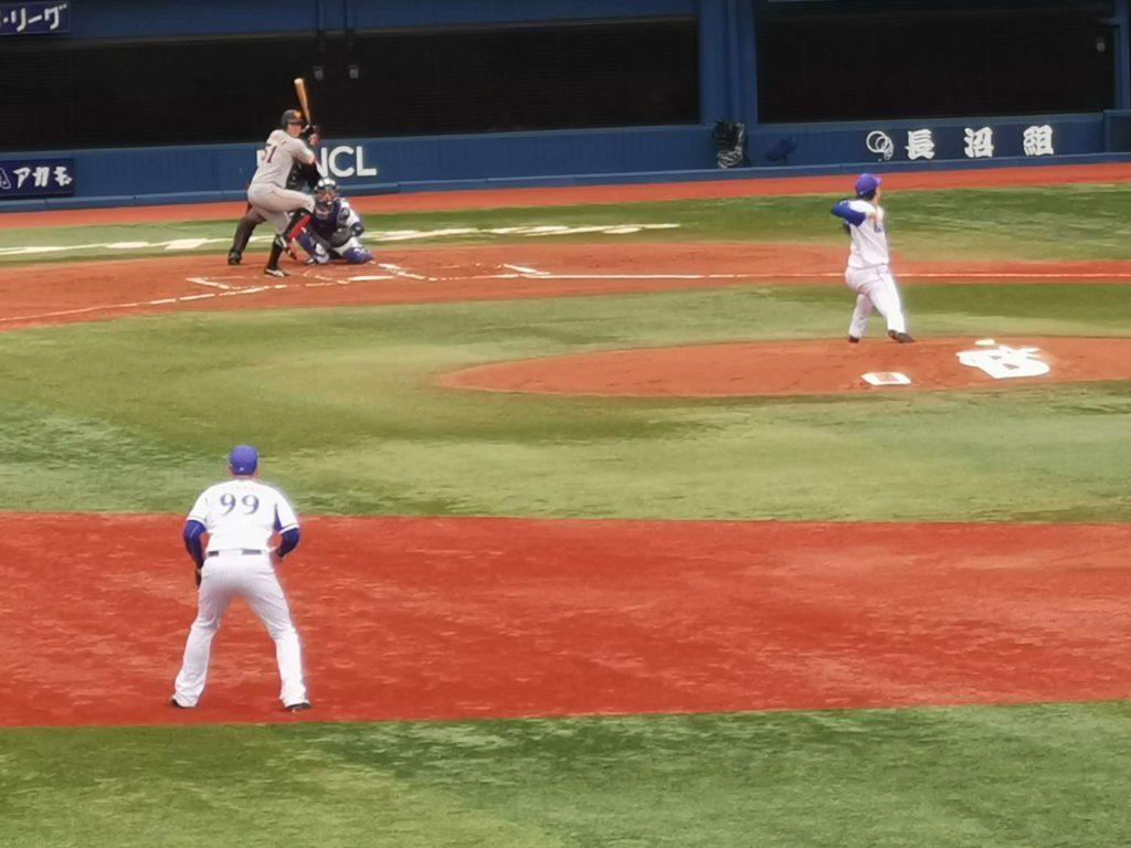 上茶谷は巨人・田中俊太に3失点目のタイムリーを打たれる