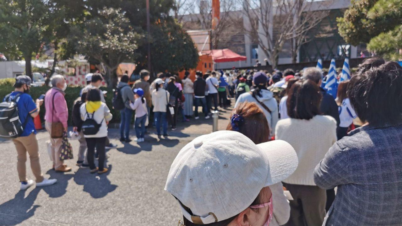 富士宮やきそば購入の長蛇の列