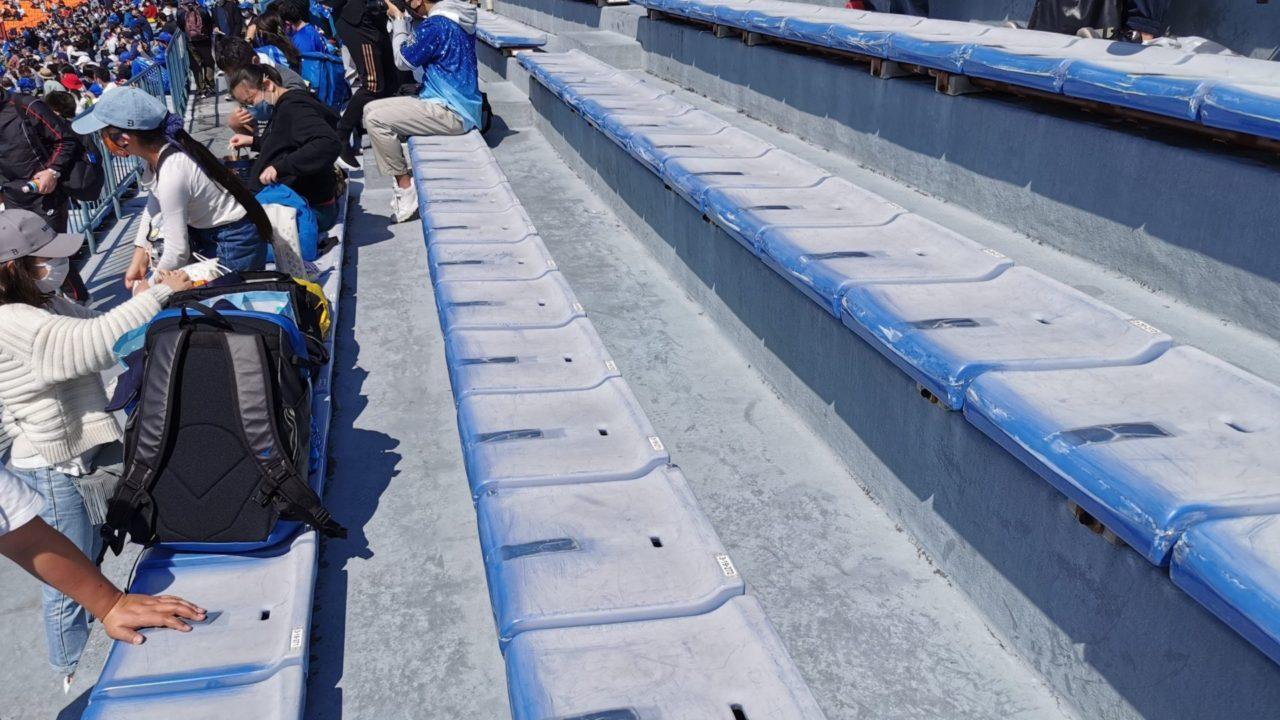 老朽化の進んだ座席