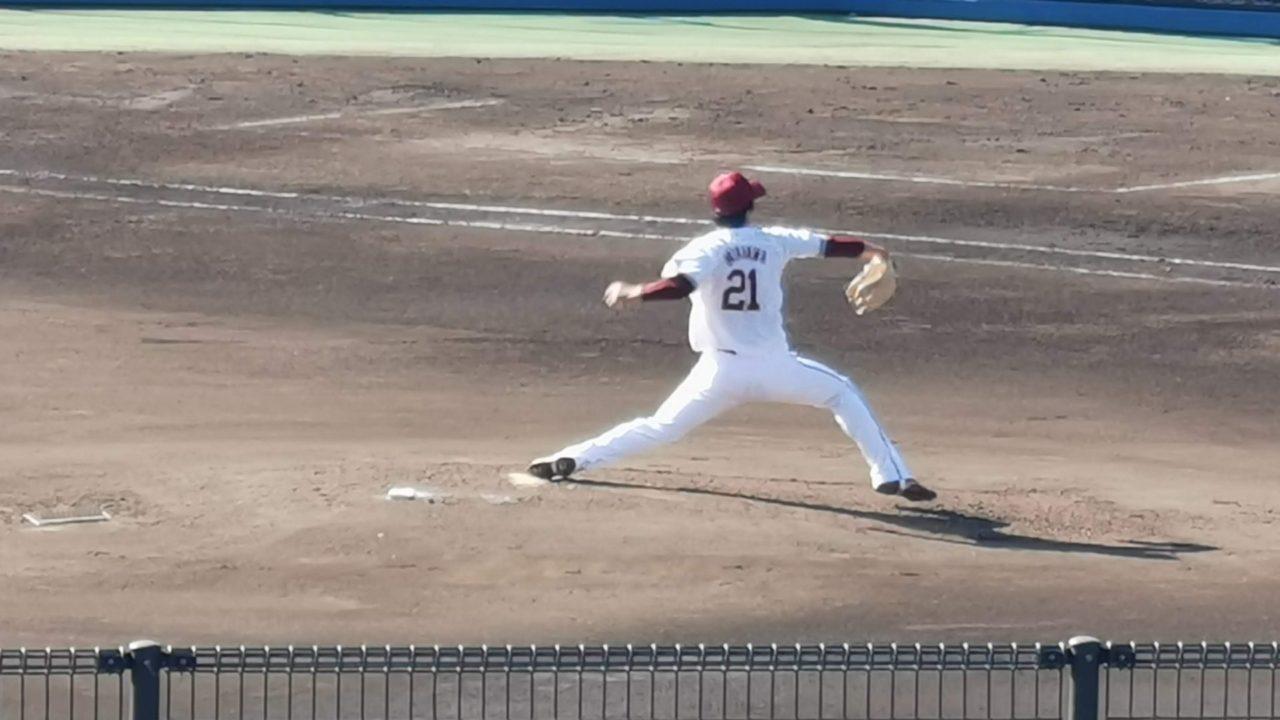 しなやかな投球フォームから快速球を投げ込み早川隆久