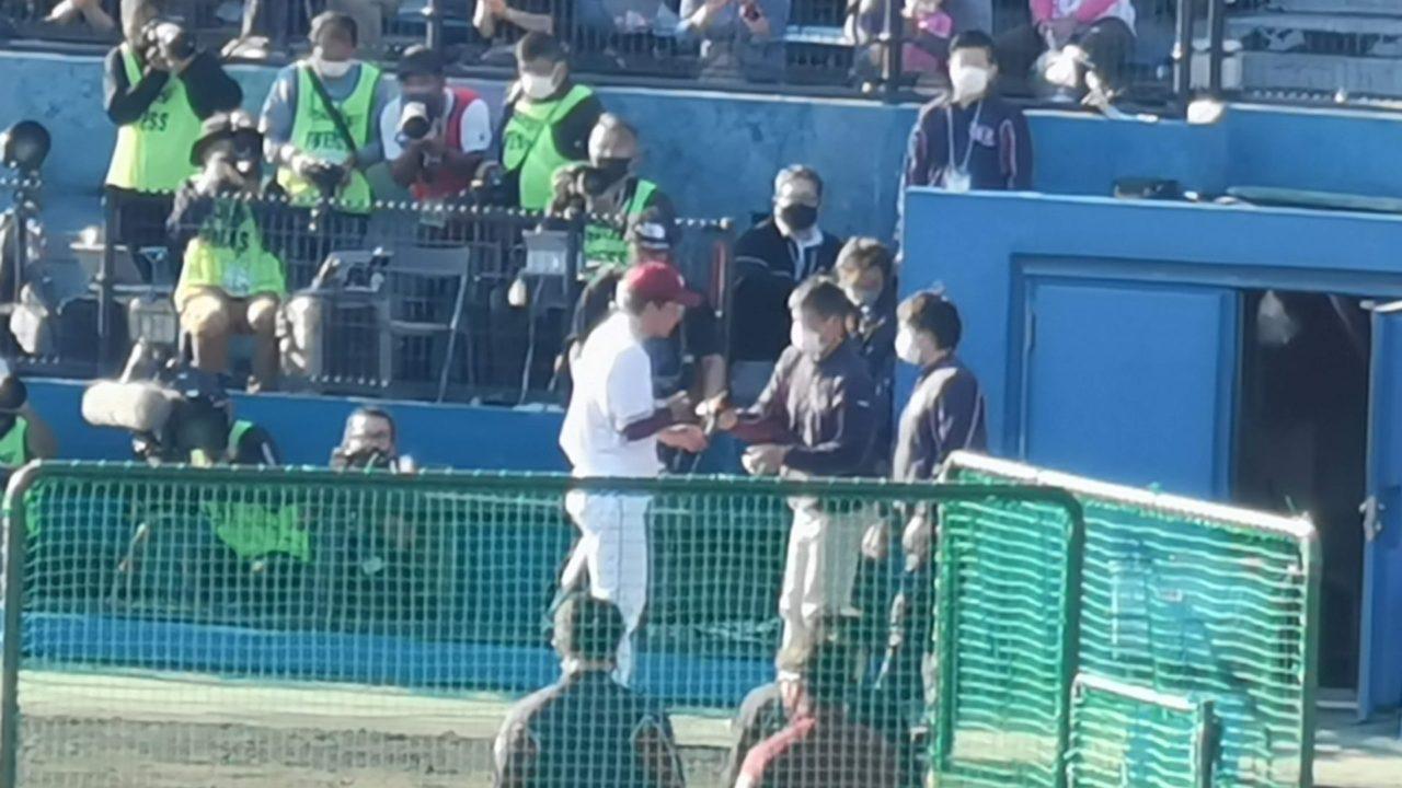試合後ヒーローインタビューを受ける早川隆久